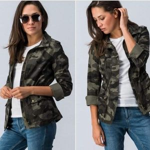 Jackets & Blazers - L camo zip up jacket NWOT